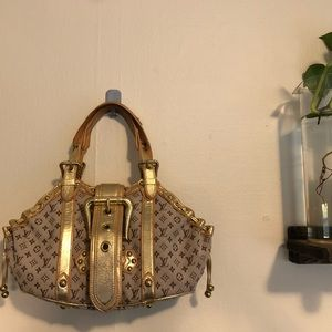 AUTHENTIC Louis Vuitton Limited edition Theda bag